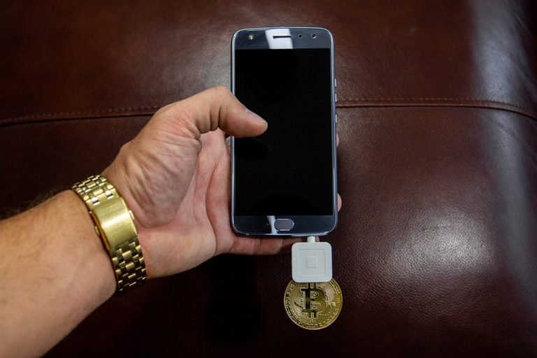 Blockchain smartphones, Crypto-storing Watches Soon to Become Reality?